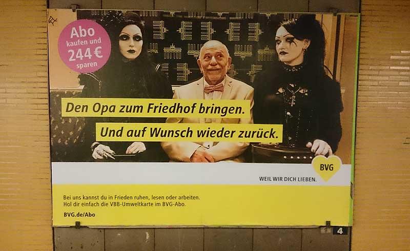 Plakat am U-Bahnhof Möckernbrücke