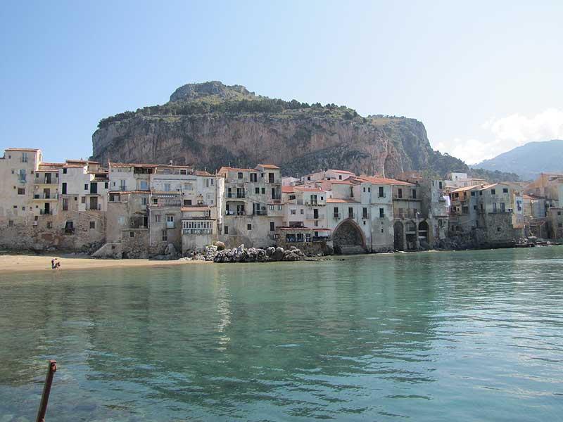 Cefalu bei Palermo