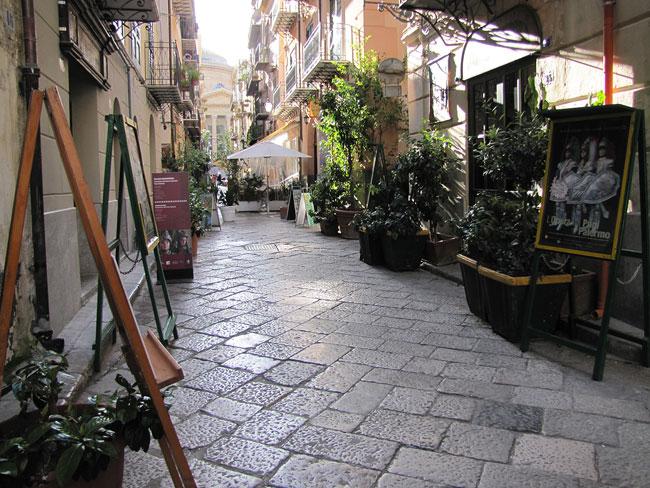 kleine Straße PAlermo