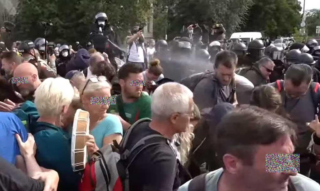 Polizei auf Demo